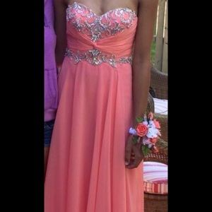 Full length coral peach Caché prom dress